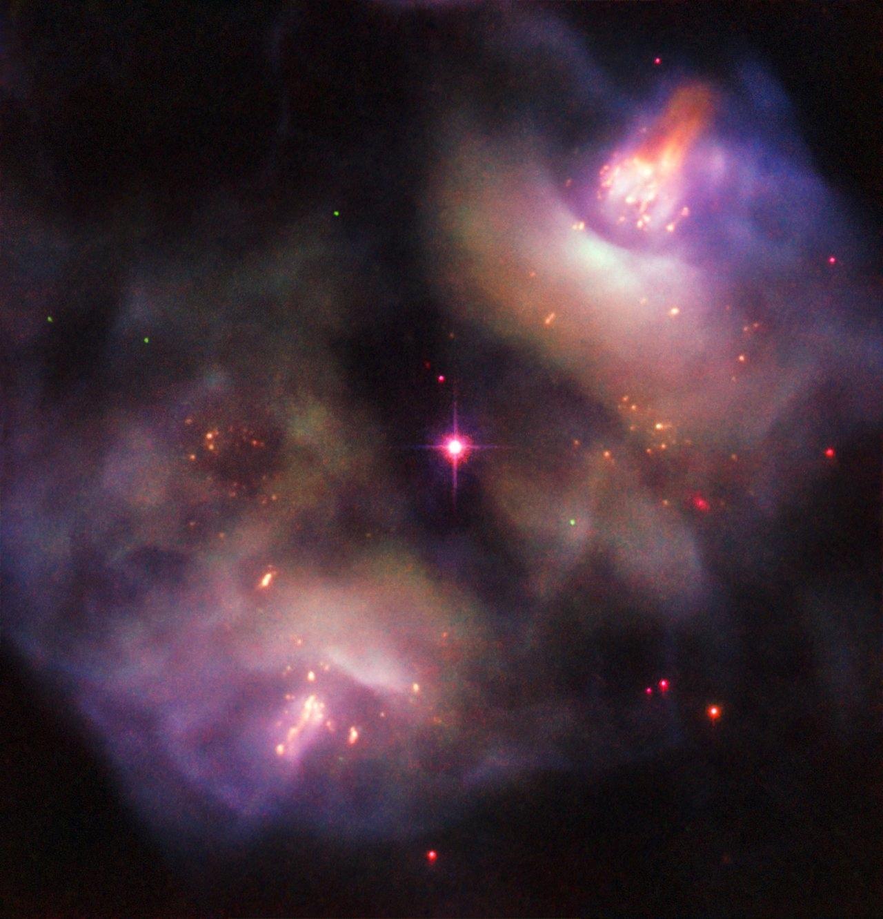Supernova. Imaginea INCREDIBILA cu MOARTEA unei MARI Stele hubble
