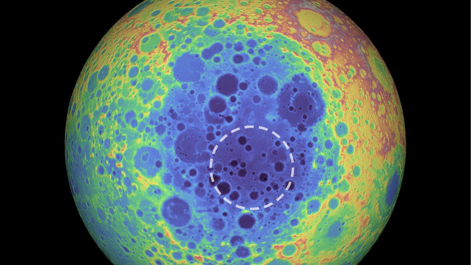 LUNA crater misterios