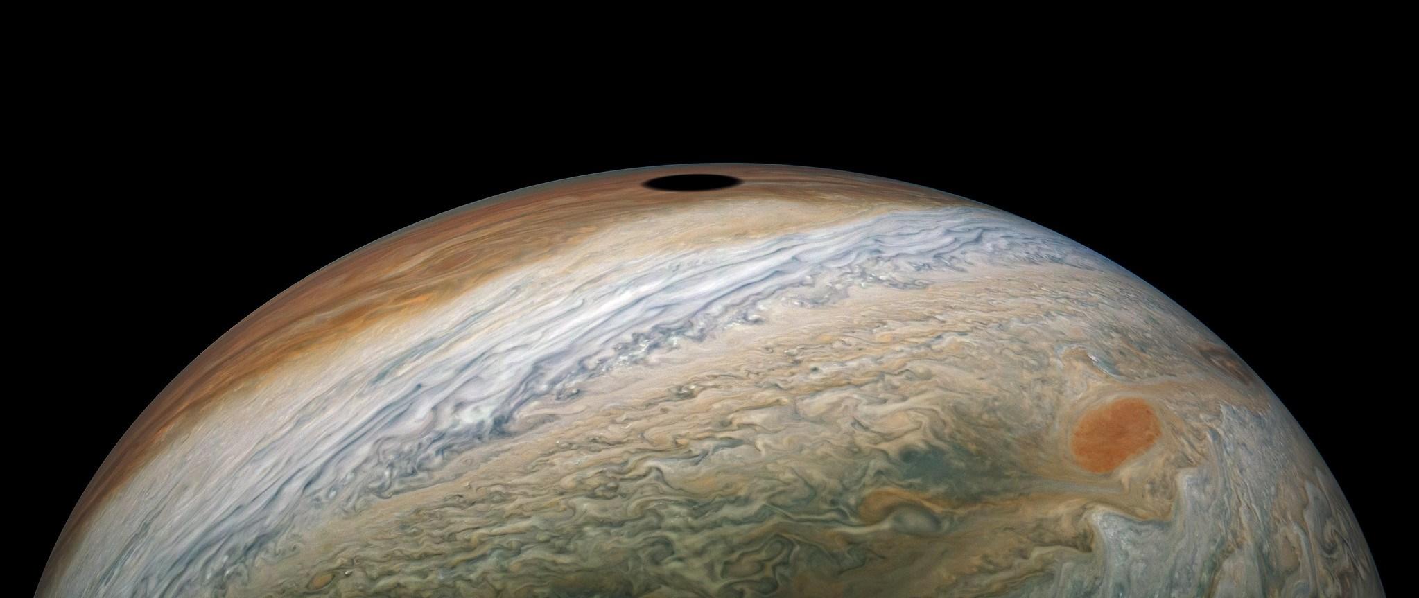 Planeta Jupiter. Imagine UILITOR de RARA care a SOCAT si NASA eclipsa soare