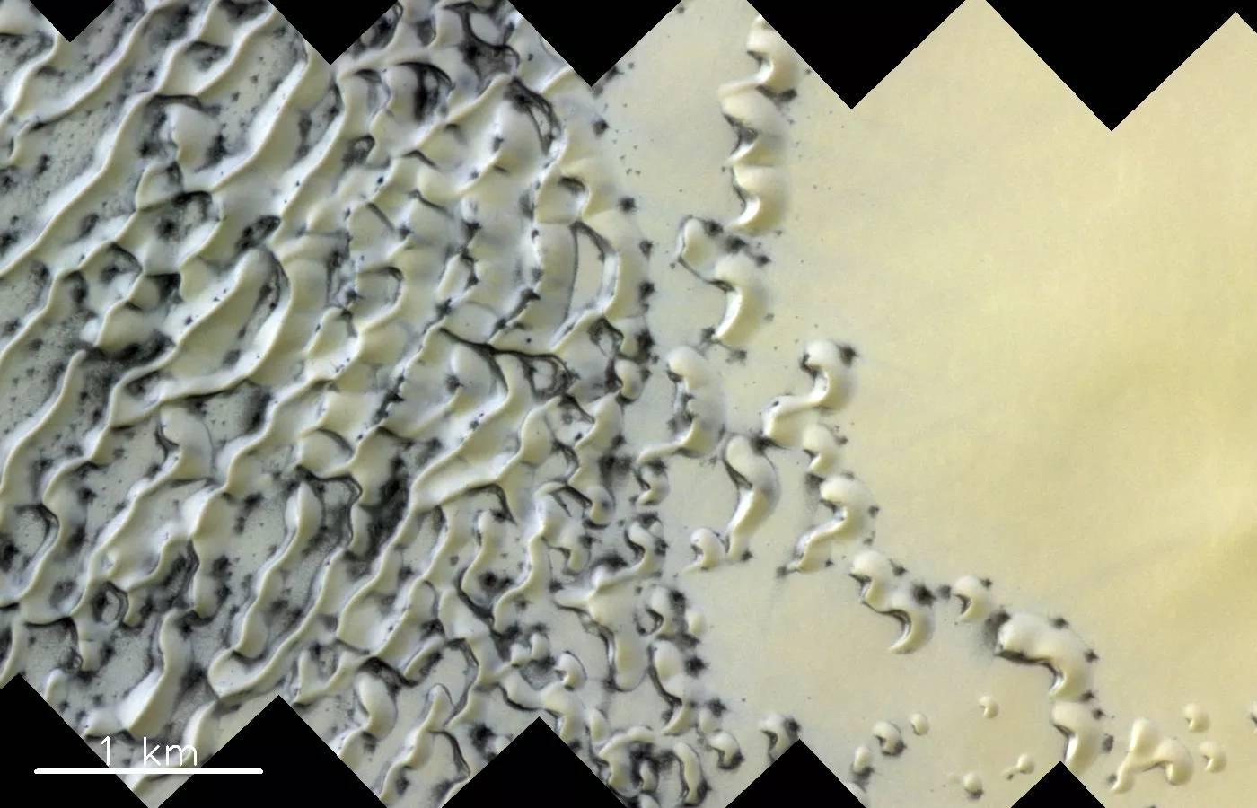 Planeta Marte. ULUITOARE Imagine de la NASA ce CUTREMURA Lumea gheata