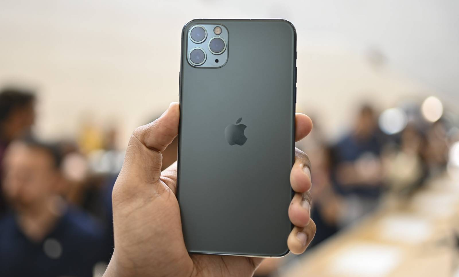 iPhone 11 Pro 10 NOUTATI MAJORE aduse fata de iPhone XS