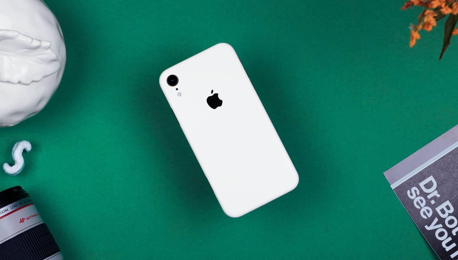iPhone XR a UMILIT Telefoanele Samsung si Huawei in Vanzari