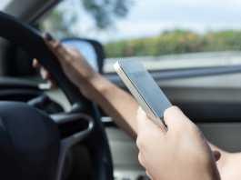Cum poti Folosi Telefonul la Volan in Suport Auto dupa Modificarile Codului Rutier