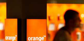 Orange pe 29 Octombrie are Oferte de TOP pentru Telefoane Mobile IEFTINE