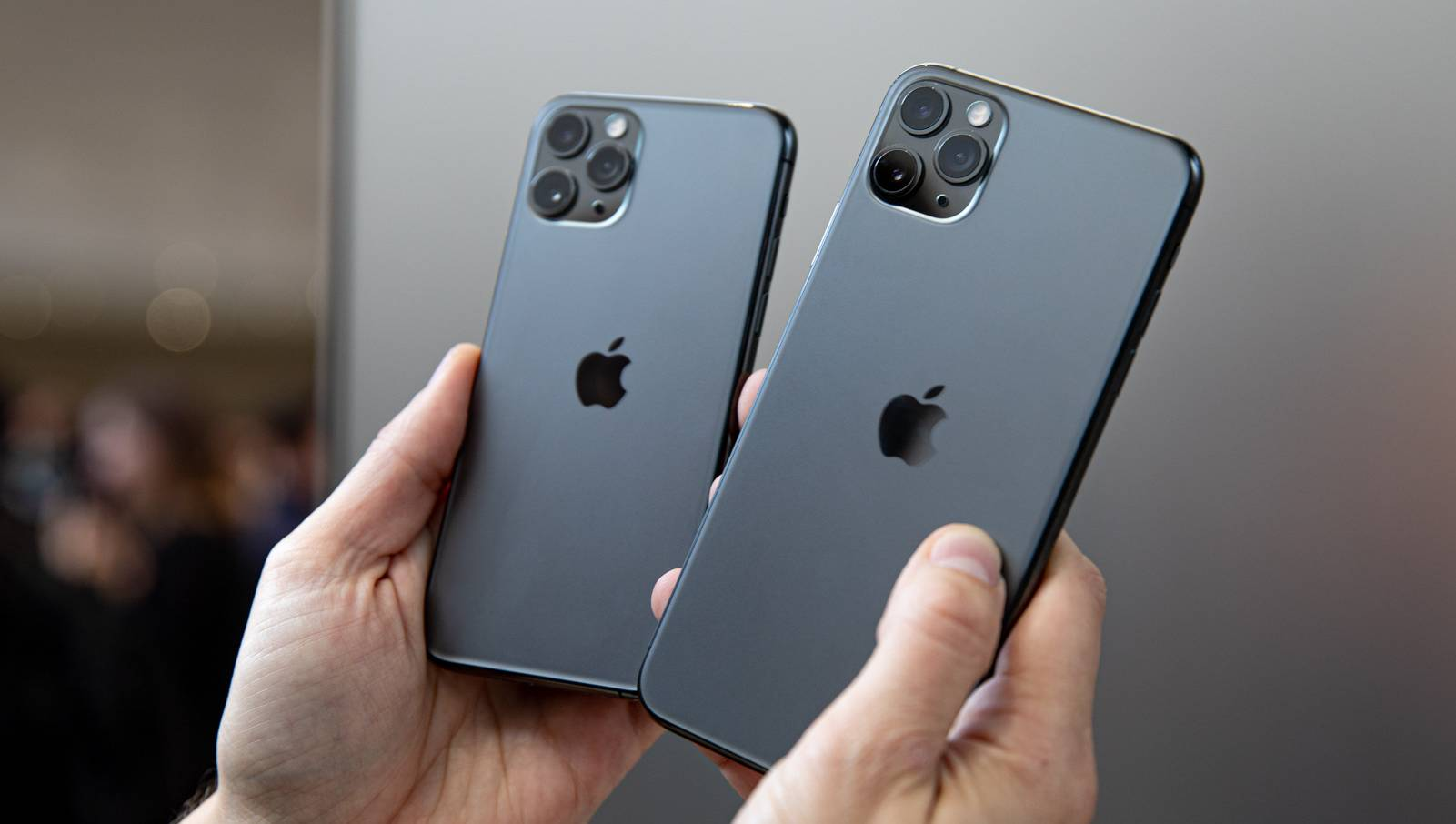 iPhone 11 DISTRUGE Huawei Samsung