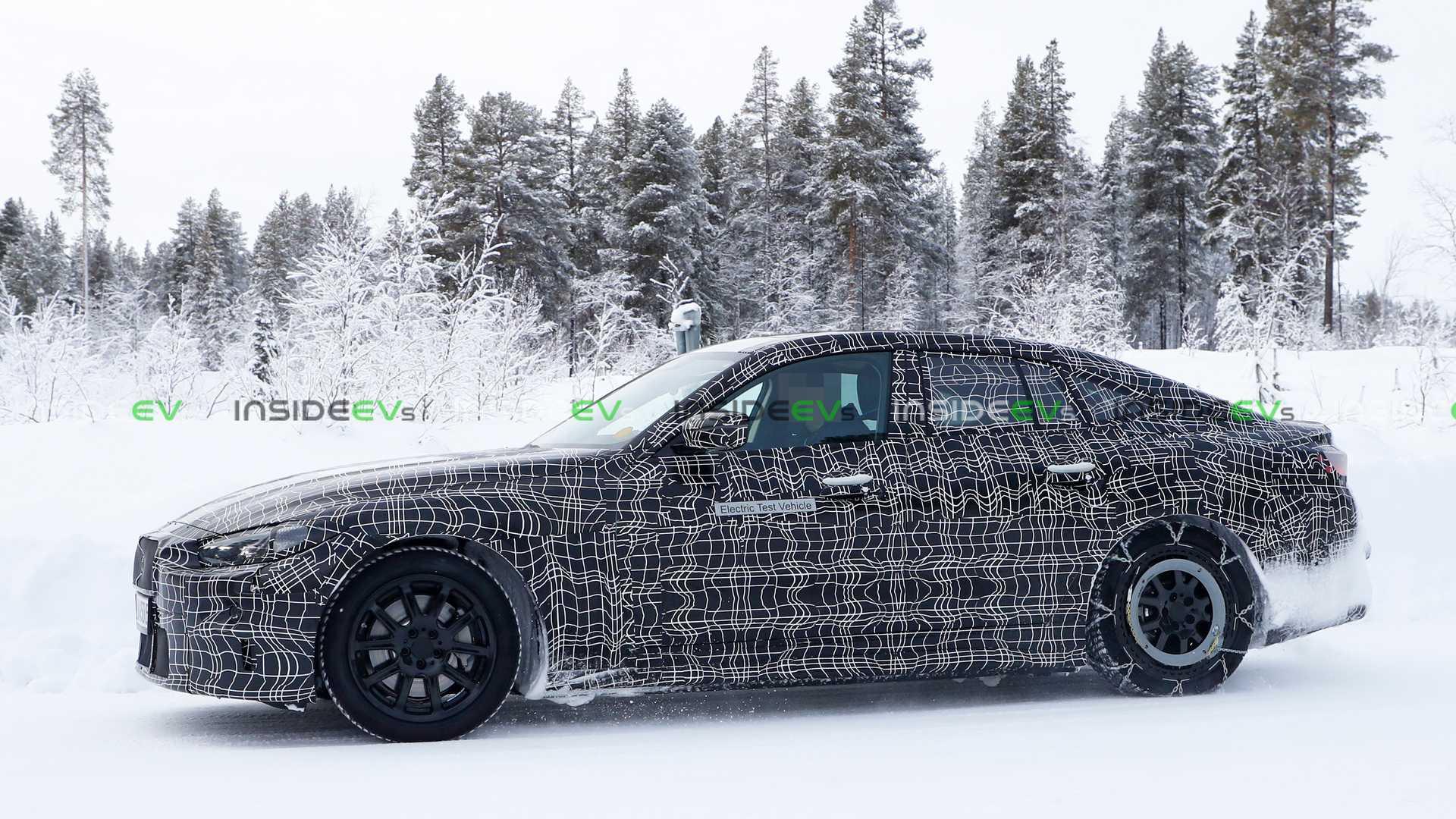BMW i4 imagini lateral