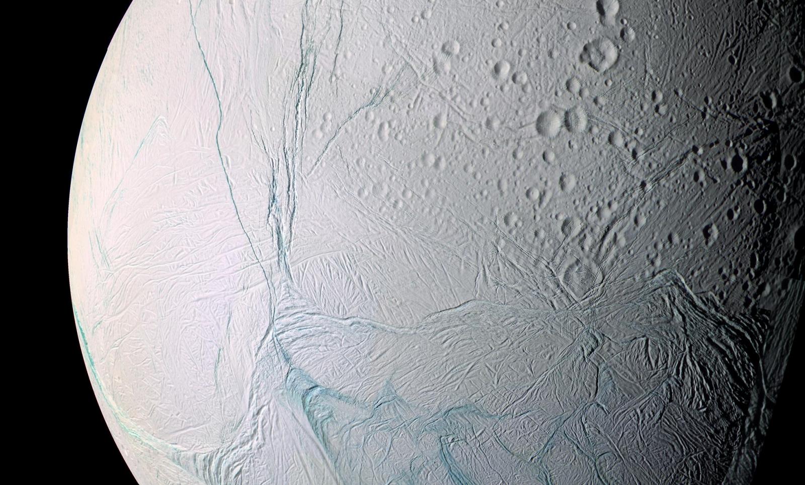 Planeta Saturn viata