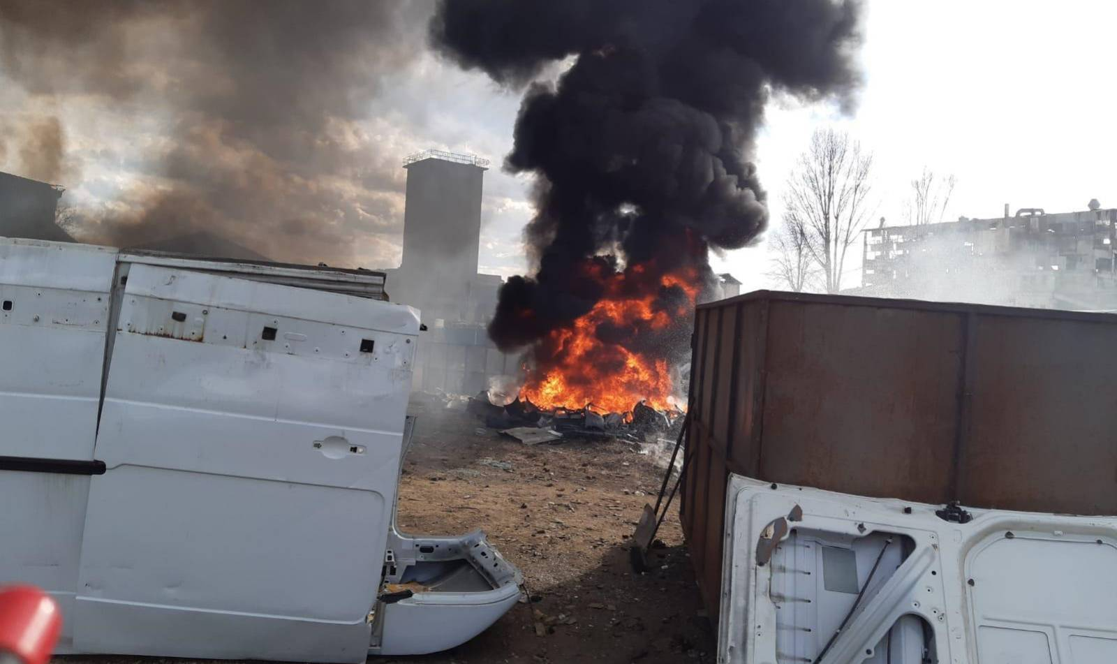 RO-ALERT incendiu camion baterii