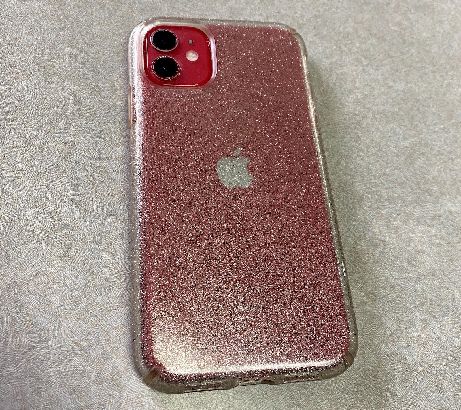 iPhone 11 doua luni sub apa