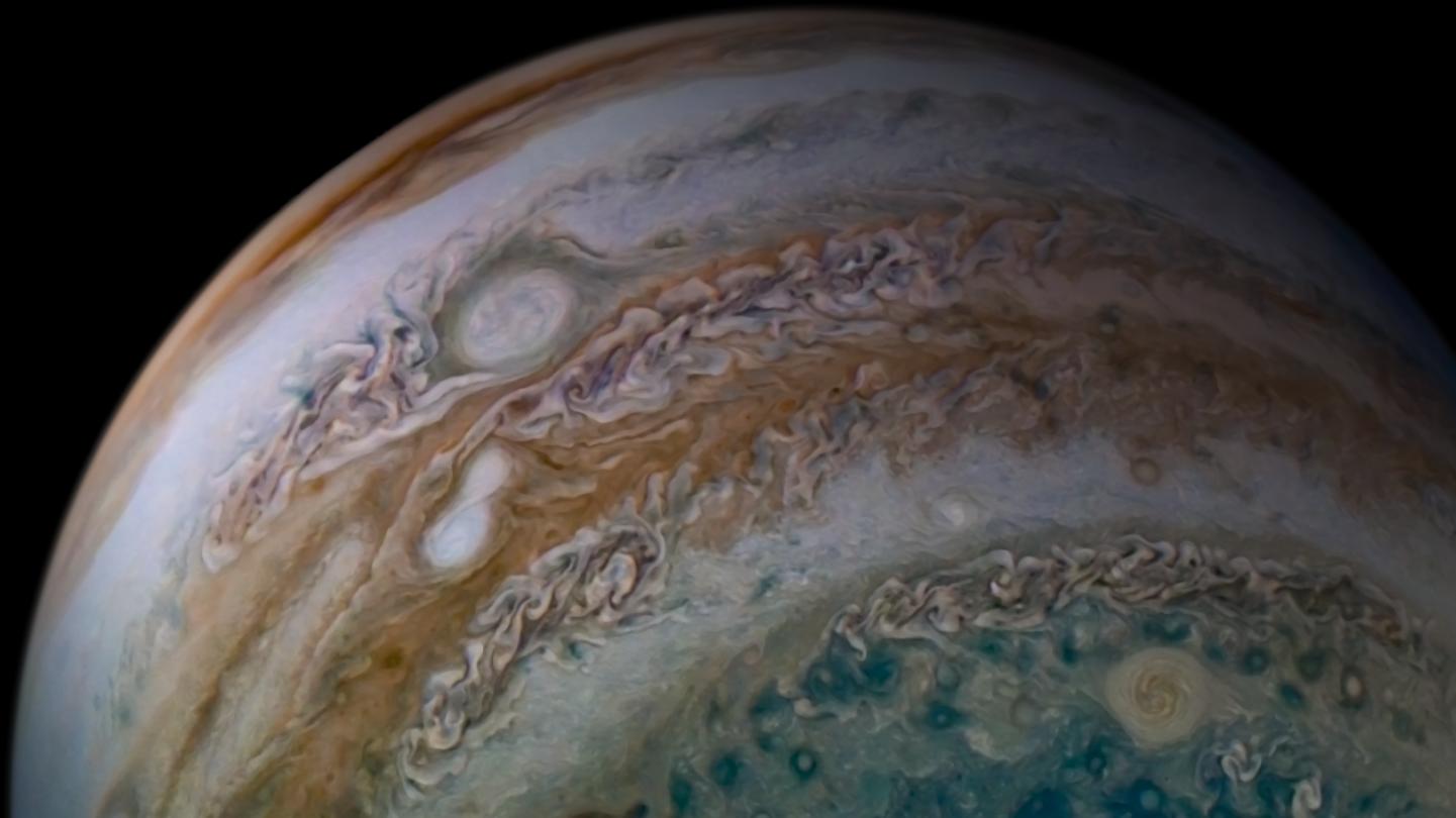 planeta jupiter anticiclon combinare