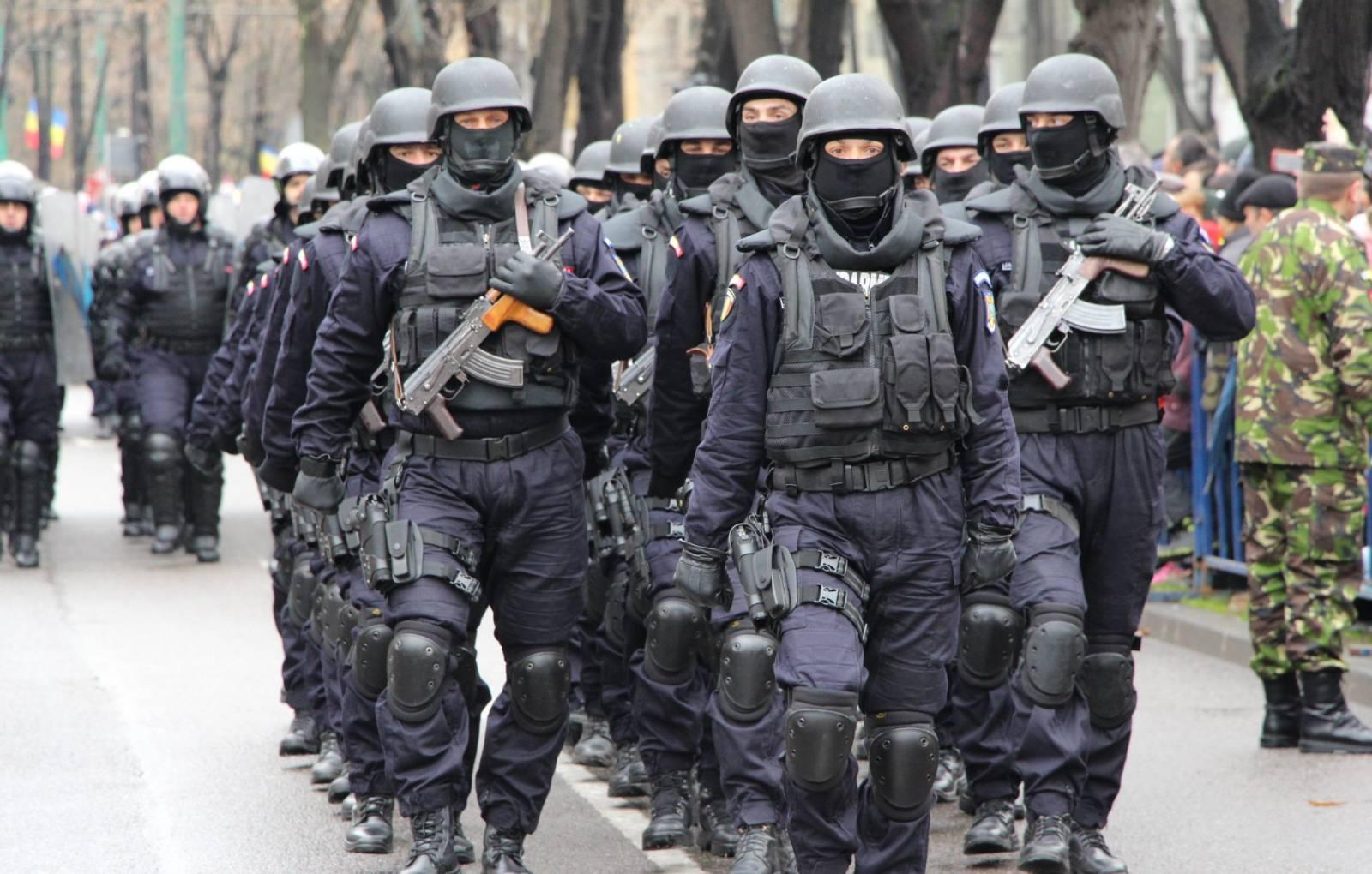 Jandarmeria Romana plimbari paste
