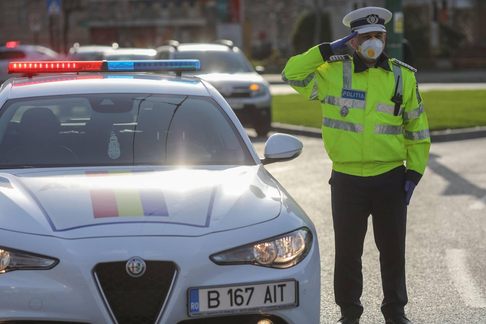 Politia Romana transport persoane varsta