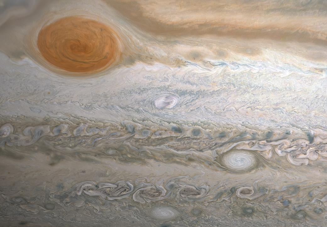 Planeta Jupiter furtunile Juno