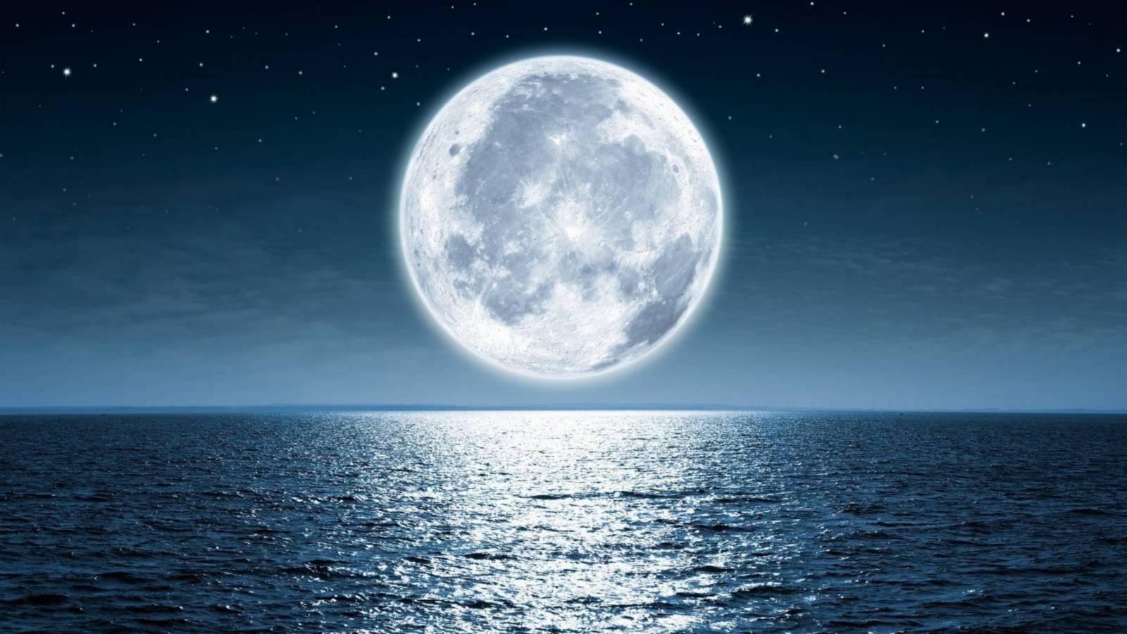 luna revenire