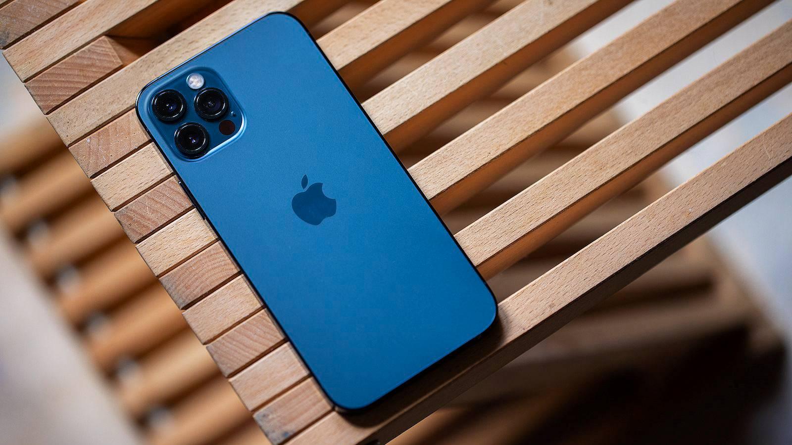 iPhone 12 DISTRUGE Android e cel mai BINE Vandut Telefon 5G