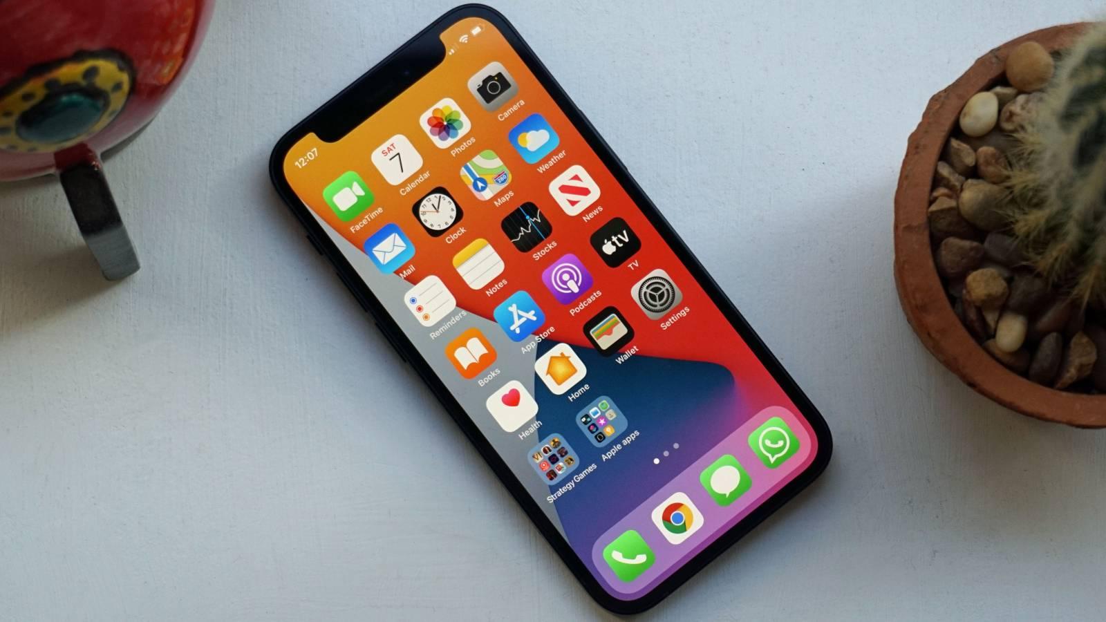 iPhone 13 Mini foto prototip