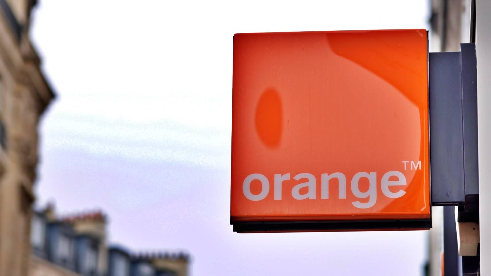 Orange obisnuit