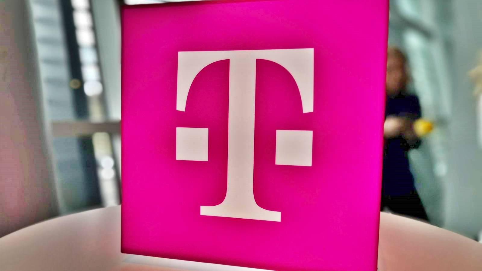 Telekom angajamente